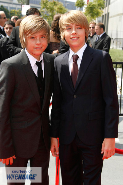 http://dylansprousefansite.synthasite.com/resources/large_dylan-and-cole-sprouse-at-the-60th-primetime-creative-arts-emmy-awards_006001.jpg